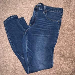 Universal Thread Mid Rise Jegging